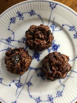Raggedy Robins-No Bake Chocolate Cookies